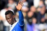 Lazio didenda gara-gara suporter rasis terhadap Balotelli