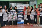 Guru di Kabupaten Bone terima santunan biaya hidup dari ACT
