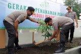 Peduli penghijauan, Polres Cilacap tanam 600 bibit pohon secara serentak