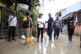 Istri Mensos semangati dan beri bantuan korban banjir Bogor