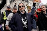 Ikut unjuk rasa, Aktor Joaquin Phoenix ditahan