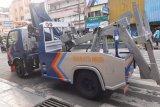 Dishub Ambon siap tertibkan kendaraan parkir di badan jalan