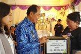 Wali kota Bitung serahkan santunan kematian pekerja sosial keagamaan