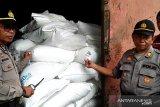 Polisi buru komplotan satpam pencuri gula
