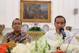 Jokowi bantah langgengkan dinasti politik meski anak menantu maju pilkada