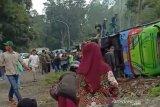 Polisi selidiki kecelakaan bus pariwisata yang tewaskan delapan penumpang