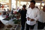 Sigi's sunday market reopened after being destroyed earthquake
