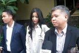Pramugari Garuda PrSiwi Widi dicecar 42 pertanyaan saat diperiksa penyidik kepolisian