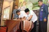 Bank NTB Syariah-HKTI NTB bermitra kembangkan bawang putih Sembalun