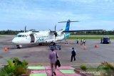 Bandara Kolaka disemprot cairan disinfektan
