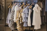 Coba terapkan 'slow fashion', tiga bulan tanpa belanja baju baru