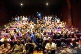 Ratusan buruh tonton Film dokumenter
