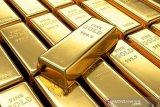 Harga emas Antam anjlok hingga Rp18.000