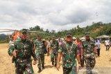 Pangdam VI Mayjen TNI Subiyanto tinjau lokasi Operasi Teritorial di perbatasan RI-Malaysia