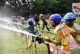 128 tim pemadam kebakaran dua provinsi adu ketangkasan di Kapuas