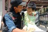 Jadi sarang tikus, rambut Mbah Iyah warga Getasan Semarang dipotong relawan RMI-ACT