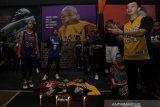 Hormati Kobe Bryant, penggemar basket berkumpul dekat Staples Center