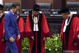 Anwar Usman keluhkan anggaran 2020 MK di depan Presiden Joko Widodo