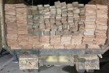 Polres Kotim Kalteng amankan truk bermuatan kayu ilegal di kebun sawit