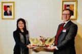 Dubes Esti melantik Konsul Kehormatan RI di Florence, Italia