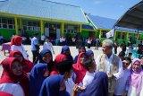 Ganjar resmikan 8 sekolah dan masjid bantuan Jateng di Sulteng