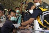 6 WNA China yang terdampar jalani tes kesehatan di Kupang