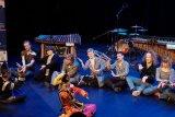 Warga Norwegia antusias pelajari tarian Minang dan  permainan angklung