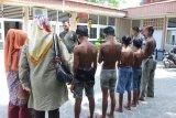 Satpol PP amankan enam remaja hisap lem di Padang
