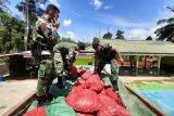 Satgas amankan 5,4 ton bawang merah