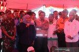 Gubernur Khofifah berikan semangat pengungsi banjir bandang di Jember