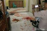 Karyawan koperasi simpan pinjam tewas bersimbah darah, polisi memburu pelakunya