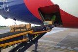 Sriwijaya Air kirim puluhan ribu masker dan baju pelindung ke China