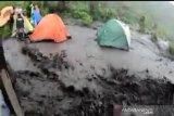 Pendaki Merbabu diminta waspadai hujan deras