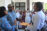 Ratusan pegawai honor di RSUD Larantuka lakukan aksi mogok kerja