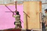 Puluhan bangunan diduga tempat prostitusi di Juwana dirobohkan