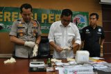 Berusaha rebut senjata petugas, gembong sabu-sabu ditembak mati