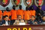 Delapan tersangka pembobol rekening Ilham Bintang dibekuk polisi