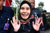 Riezky Aprilia akui diminta serahkan kursi DPR  untuk Harun Masiku