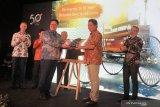 Mercedes-Benz Indonesia serahkan replika mobil pertama ke Museum Nasional