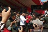 Jokowi jadi buruan jurnalis untuk swafoto