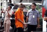Aktris film 'Air Terjun Pengantin' Nanie Darham ditangkap polisi