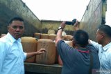 Polisi Solok Selatan amankan 100 jeriken  premium