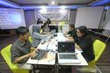 Sejumah wartawan dari berbagai daerah di tanah air mengikutk Uji Kompetensi Wartawan (UKW) di Hotel Victoria Banjarmasin, Kalimantan Selatan, Senin (10/2/2020). Perum LKBN ANTARA melalui Lembaga Pendidikan Jurnalistik ANTARA (LPJA) menggelar UKW yang diikuti 30 wartawan dalam rangka Hari Pers Nasional 2020. Foto Antaranews Kalsel/Bayu Pratama S.