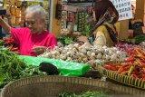 Stok bawang putih di Yogyakarta cukup dua bulan
