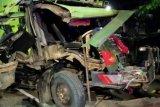Konvoi truk sampah mengalami kecelakaan di Rawamangun