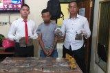 Polsek Bandara Sentani Jayapura amankan pemuda bawa narkotika ganja