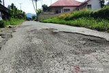 Jalan Bombana-Konawe Selatan  rusak