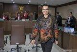 Mantan Dirut Perum Perikanan Indonesia divonis 4,5 tahun penjara
