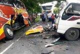 Truk tabrak bus Sugeng Rahayu, sopir tewas
