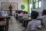 Presiden Jokowi : Beban administratif buat guru tidak fokus mengajar